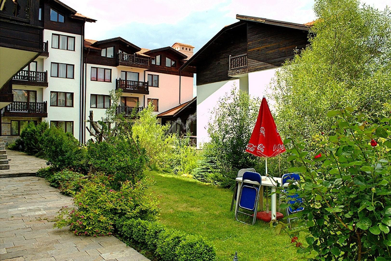 Банско, Балкан Хайтс: обзаведен тристаен апартамент за продажба