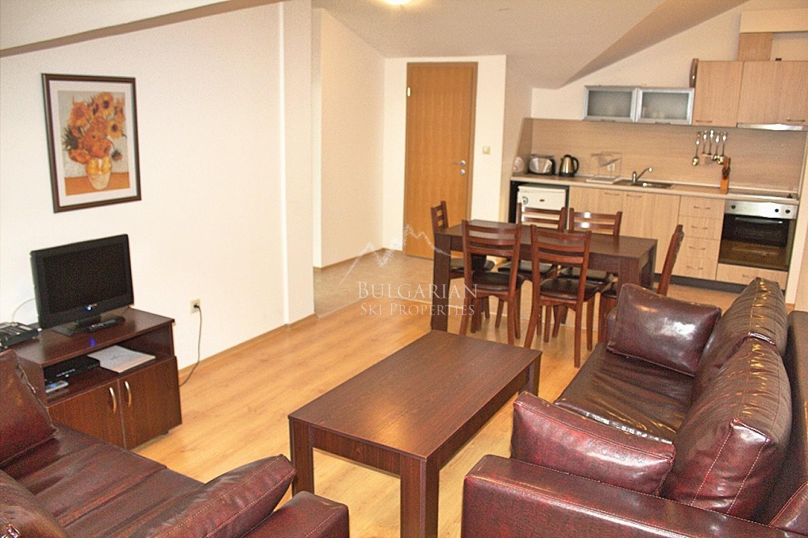 Аспен Голф: обзаведен тристаен апартамент за продажба