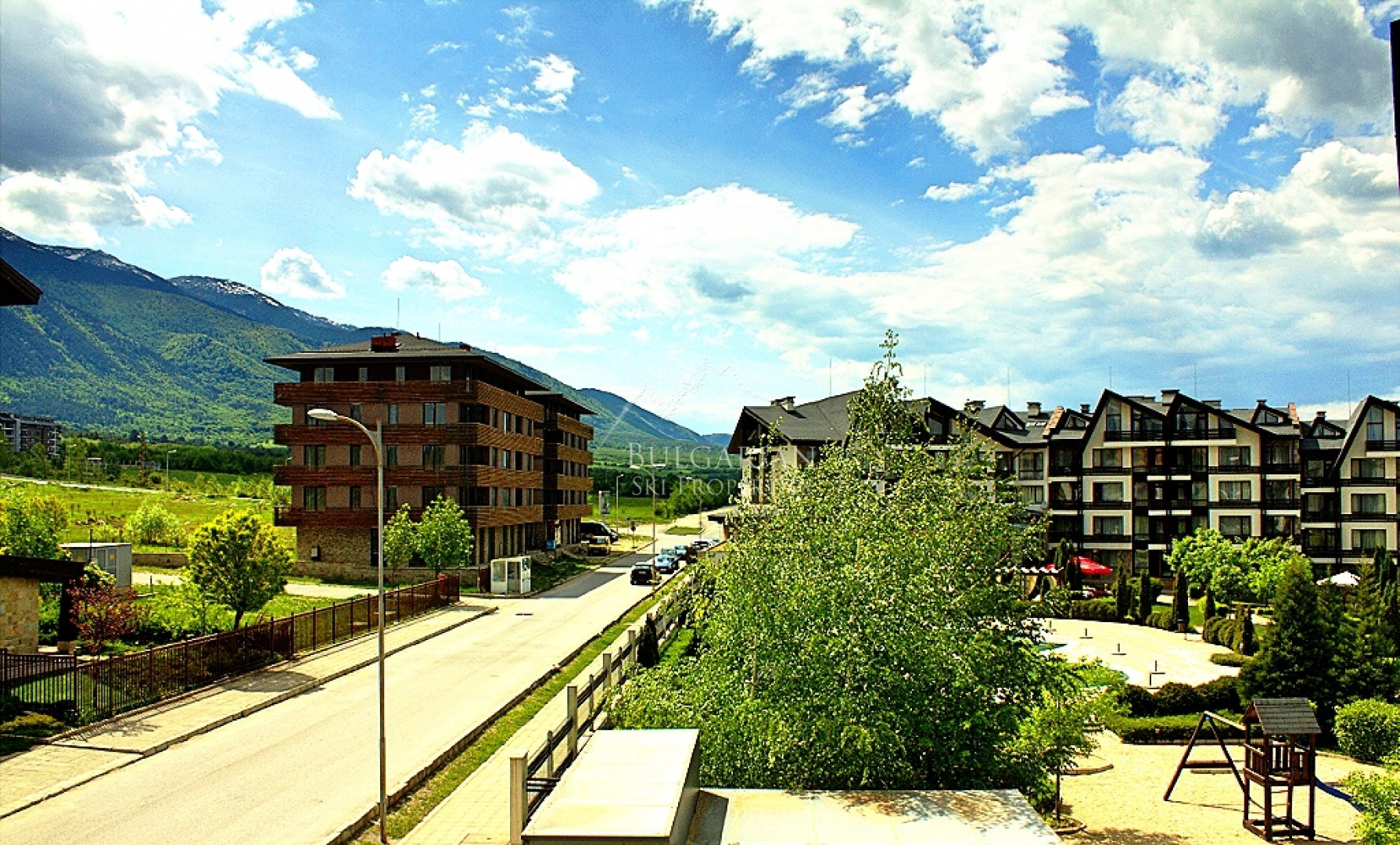 Aspen Golf, Bansko: two-bedroom apartment with mountain views for sale