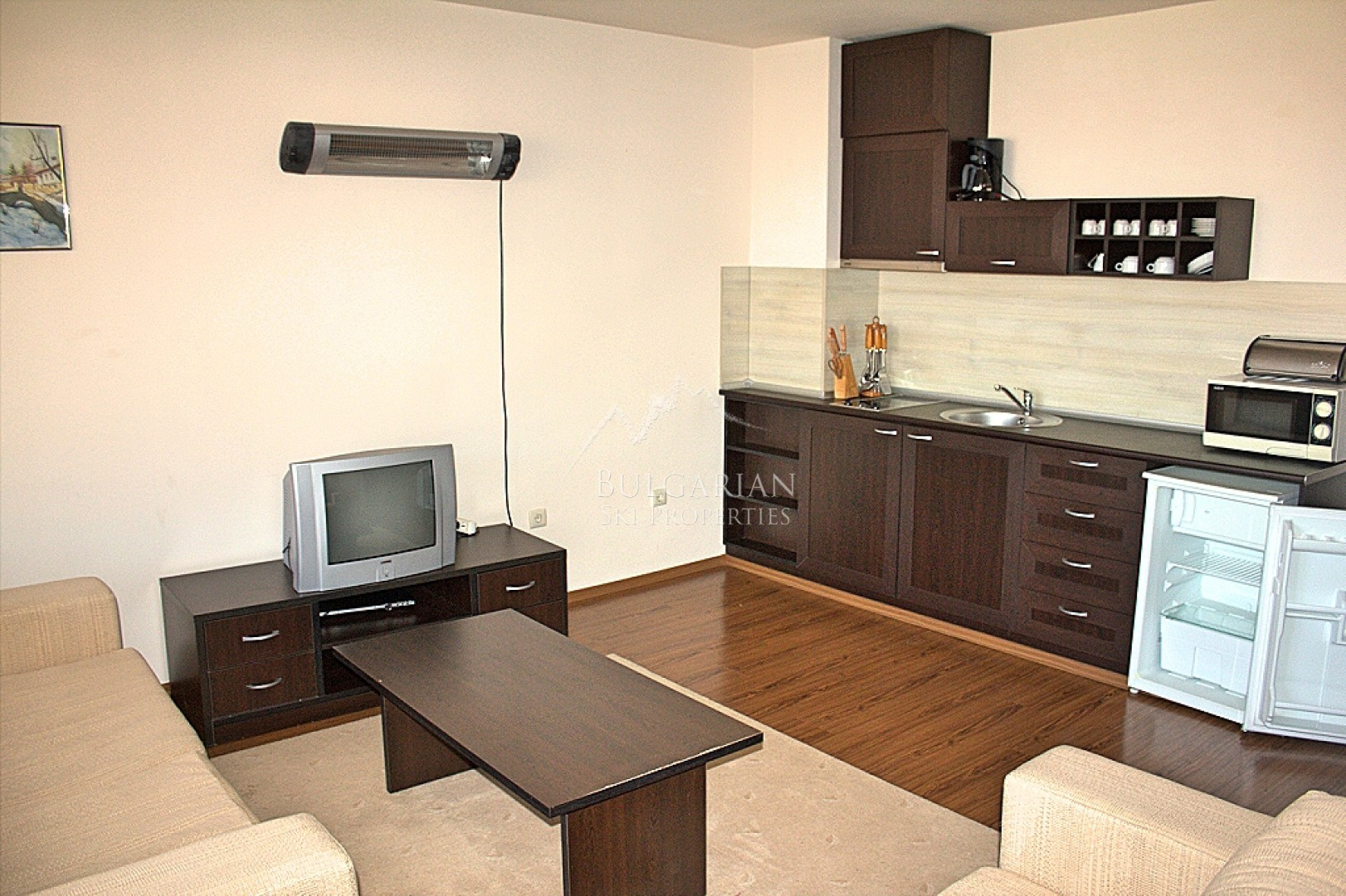 Bansko Royal Towers: spacious studio for sale next to the ski lift