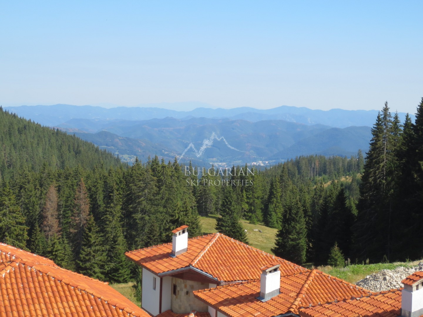 Pamporovo, Forest Nook: furnished apartment with mountain view for sale