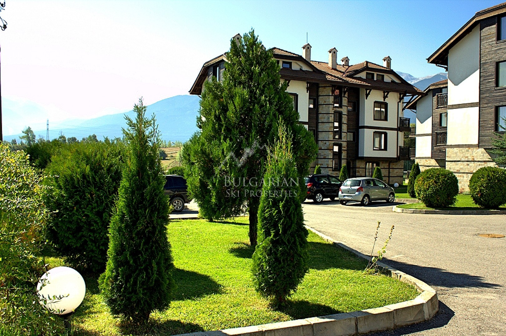 Bansko: Fully furnished studio for sale at 3 Mountains