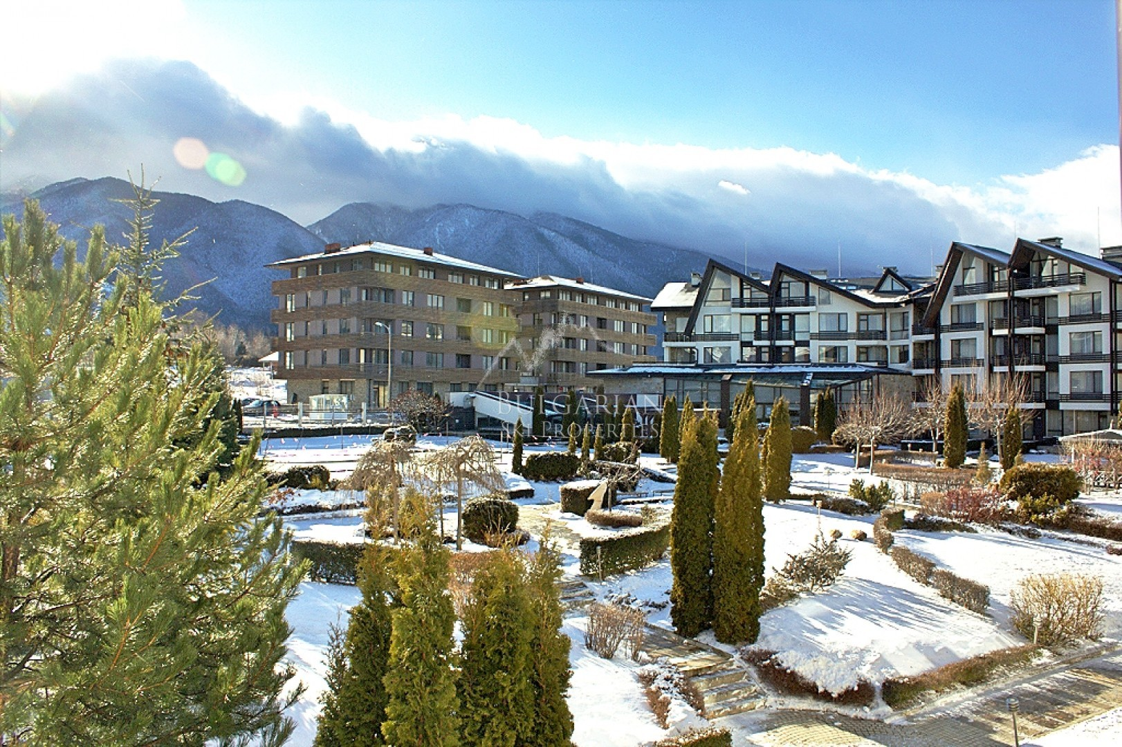 Stylishly furnished studio for sale in Aspen Golf, Bansko