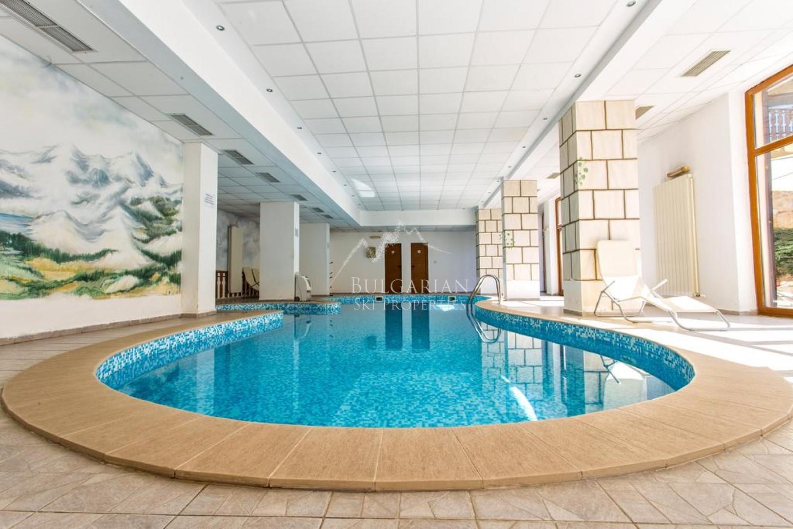 Топ Лодж, Банско: тристаен апартамент за продажба в близост до ски лифта