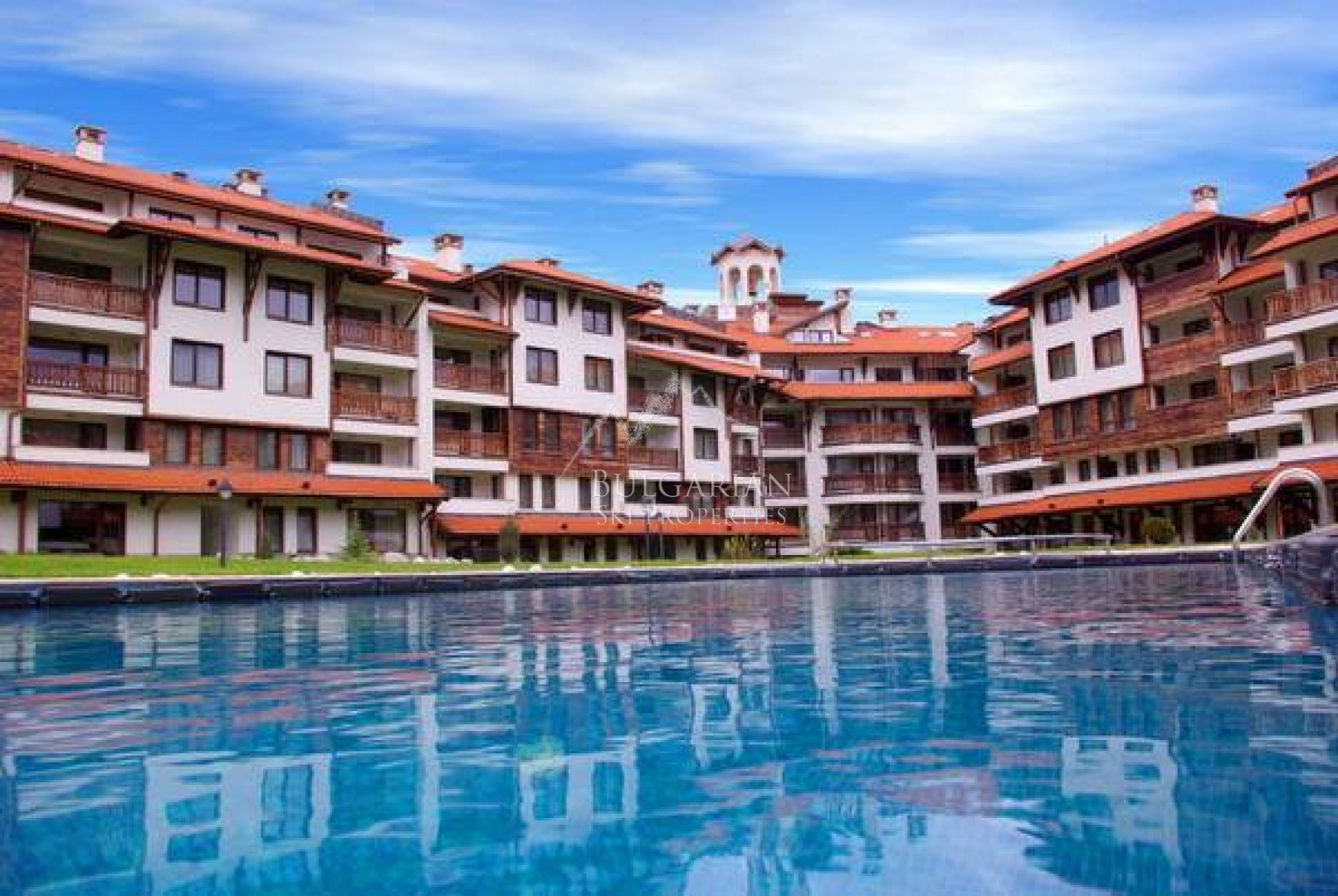Bansko Royal Towers: two-bedroom apartment for sale next to the Ski Lift in Bansko