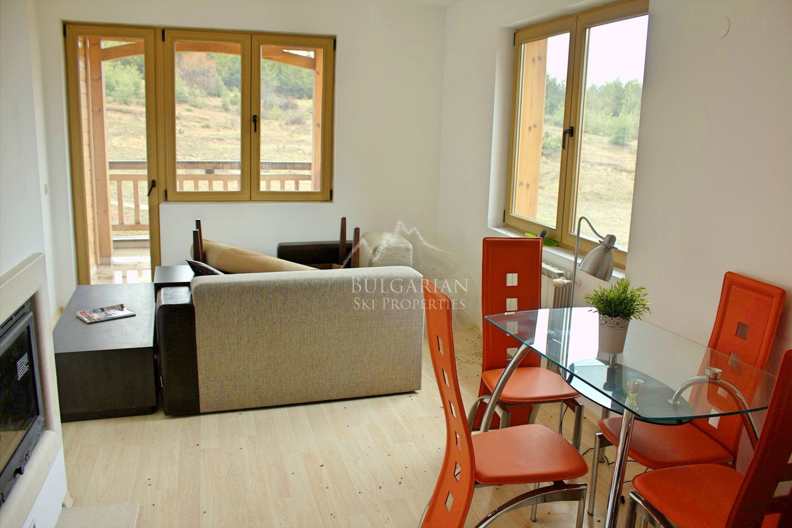 Bansko, St. John Hill: furnished apartment with fireplace for sale