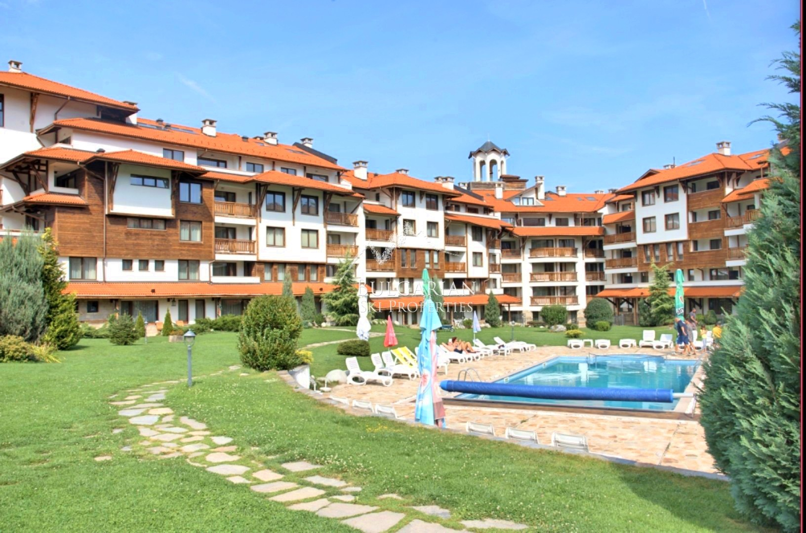 Bansko Royal Towers: furnished studio for sale next to the Ski lift
