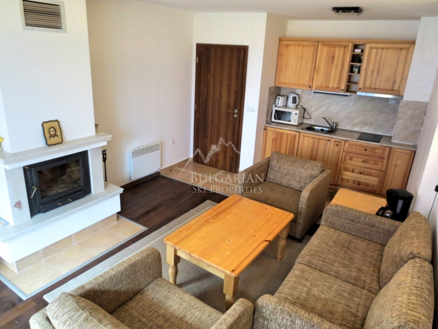 Bansko: furnished two bedroom apartment with fireplace in Winslow Infinity & SPA complex