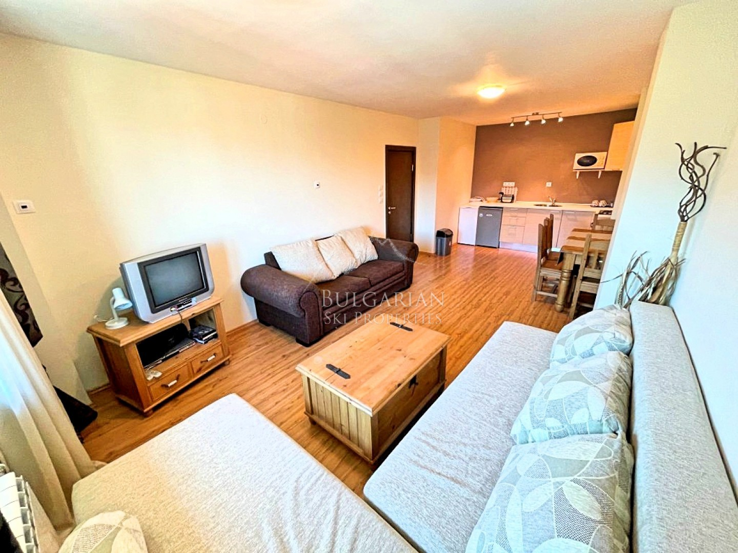 Bansko: spacious one-bedroom apartment close to the Ski lift for sale