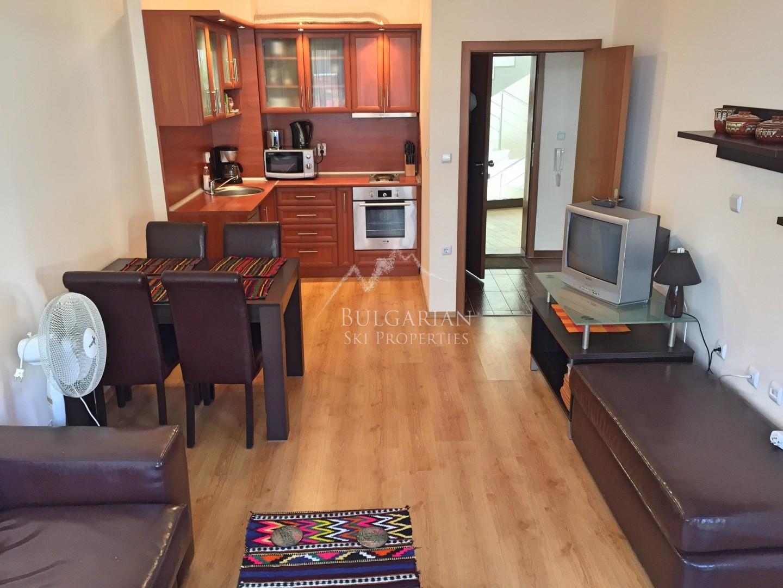 Банско, Сидър Лодж 3: обзаведен апартамент до ски лифта за продажба