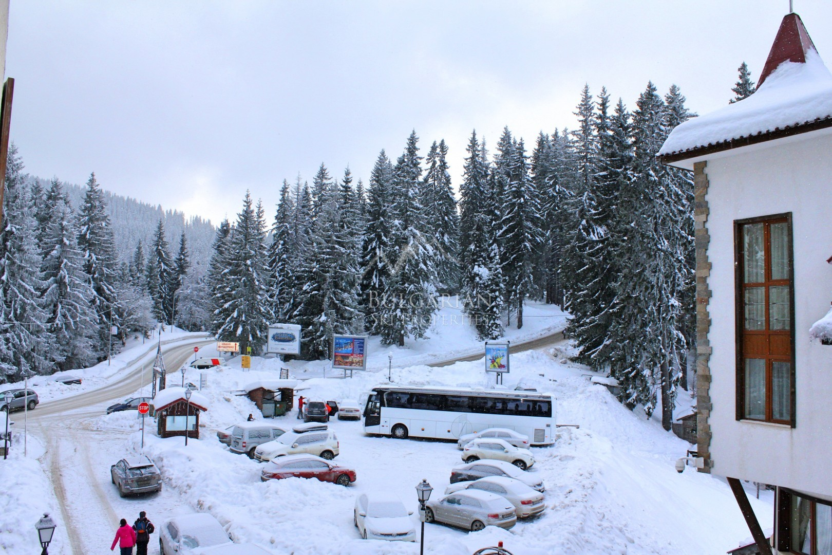 Pamporovo, The Castle 2: furnished apartment for sale next to ski lift
