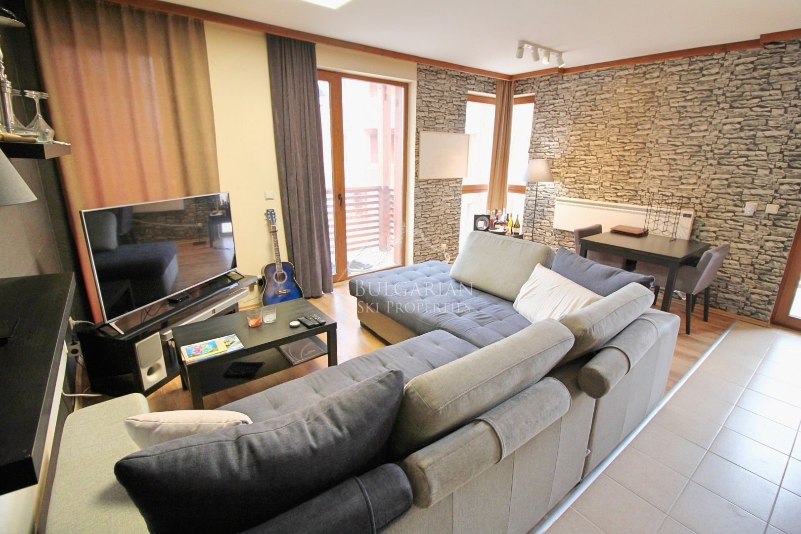 St Ivan Ski & Spa, Bansko: modernly furnished two-bedroom apartment for sale