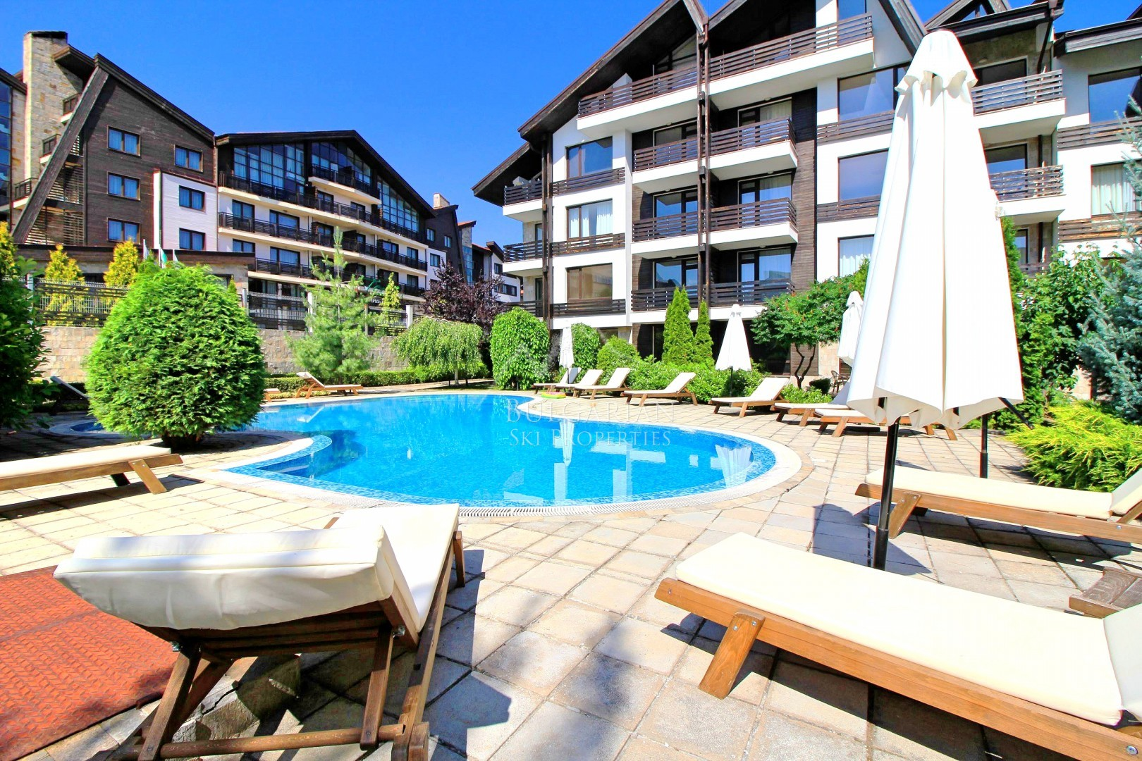 Aspen Suites, Bansko: furnished studio for sale with pool view