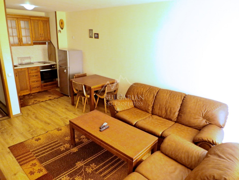 Bansko: south facing two bedroom apartment for sale in Predela 1