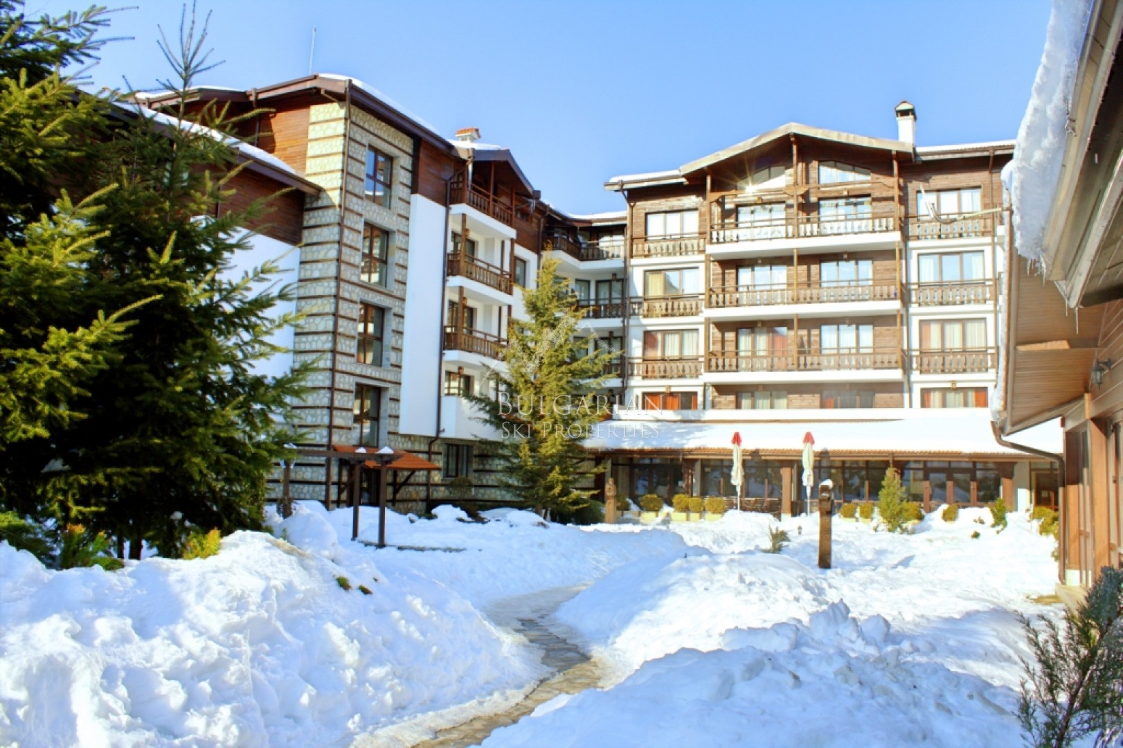 Bansko: large studio for sale in Winslow Infinity & SPA complex