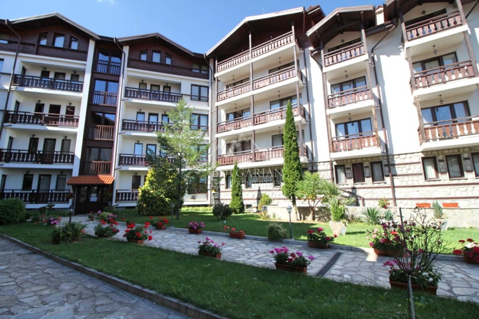 Bansko: one bedroom apartment for sale near the ski lift