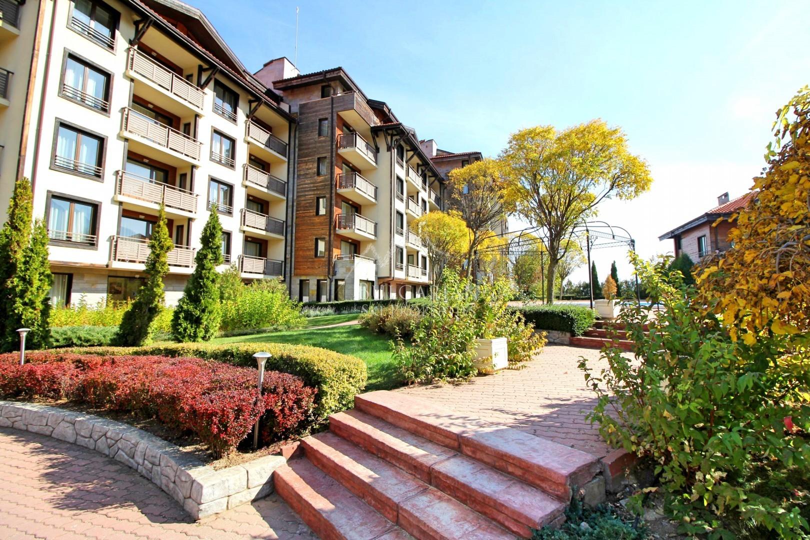 Изгоден двустаен апартамент за продажба в к-с Мурите до Банско