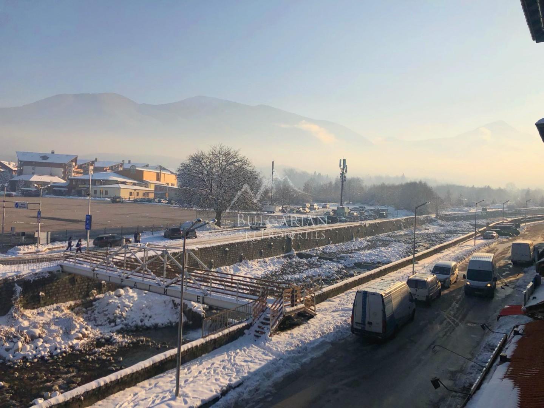 Банско: имот с планинска гледка за продажба в Банско Роял Тауърс