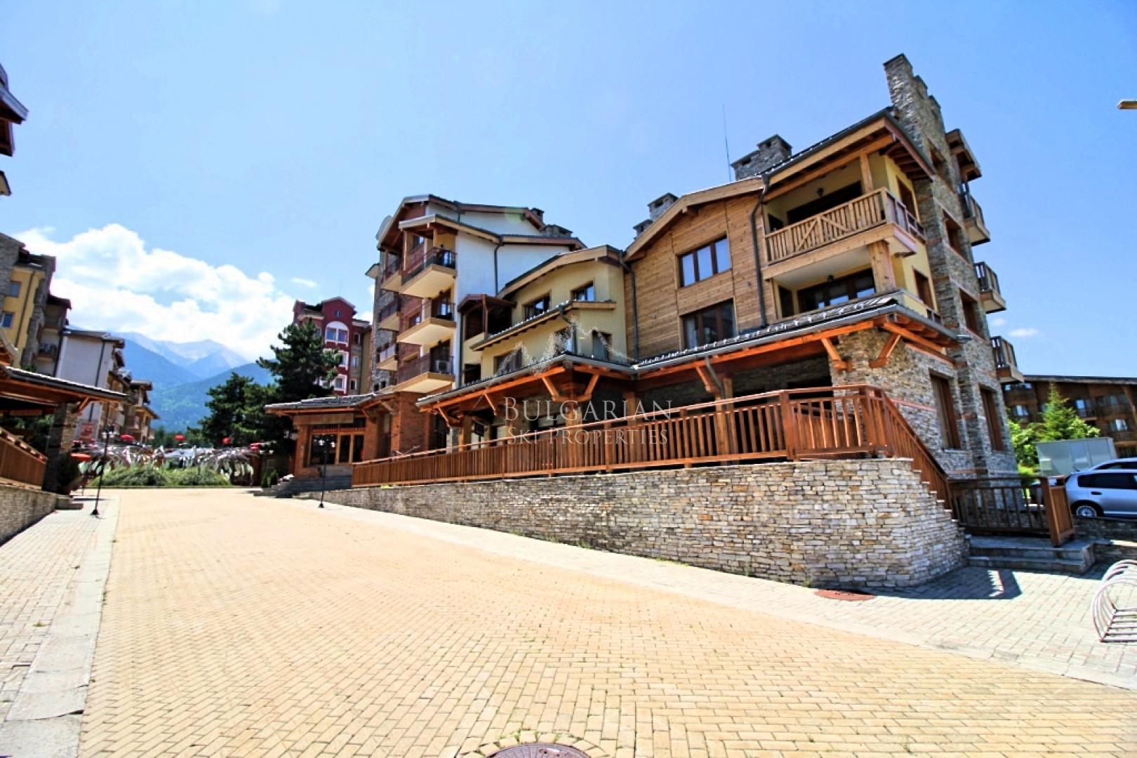 Банско: обзаведен двустаен апартамент за продажба в Пирин Голф