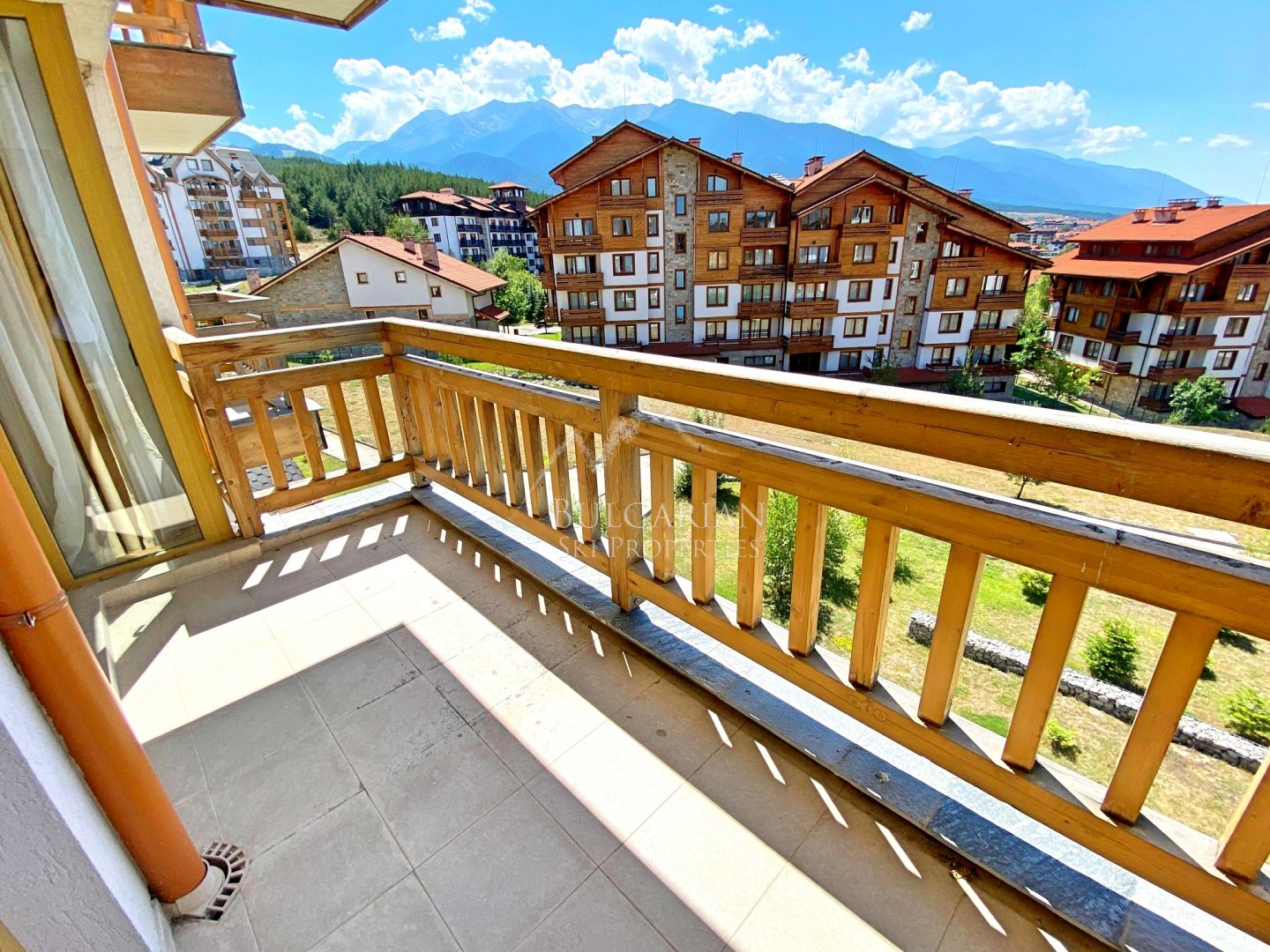 Panoramic one-bedroom apartment for sale in St John Park, Bansko