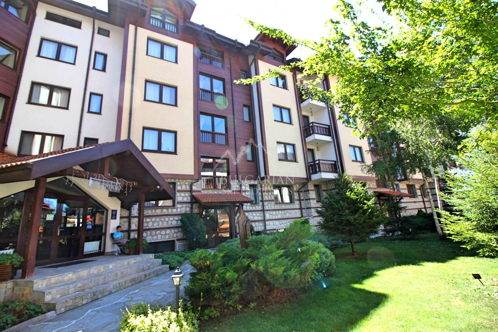Winslow Highland: one bedroom apartment for sale next to the ski lift in Bansko