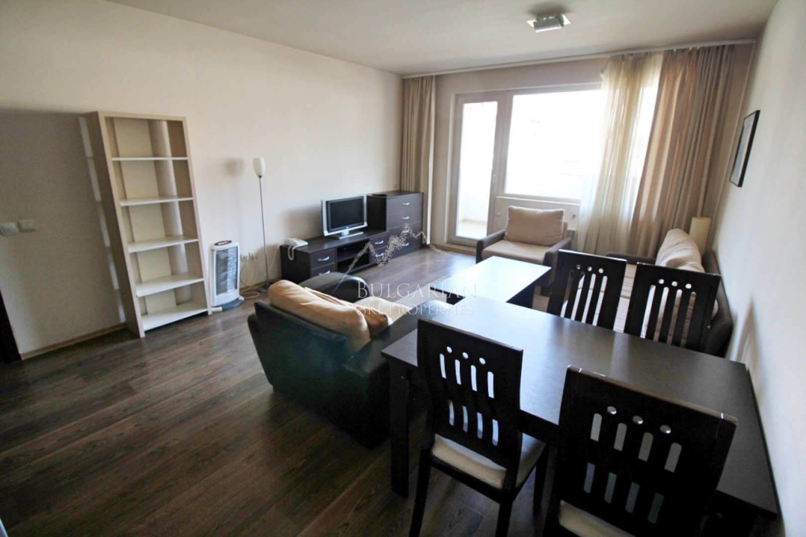 Bansko Royal Towers: furnished one-bedroom apartment for sale