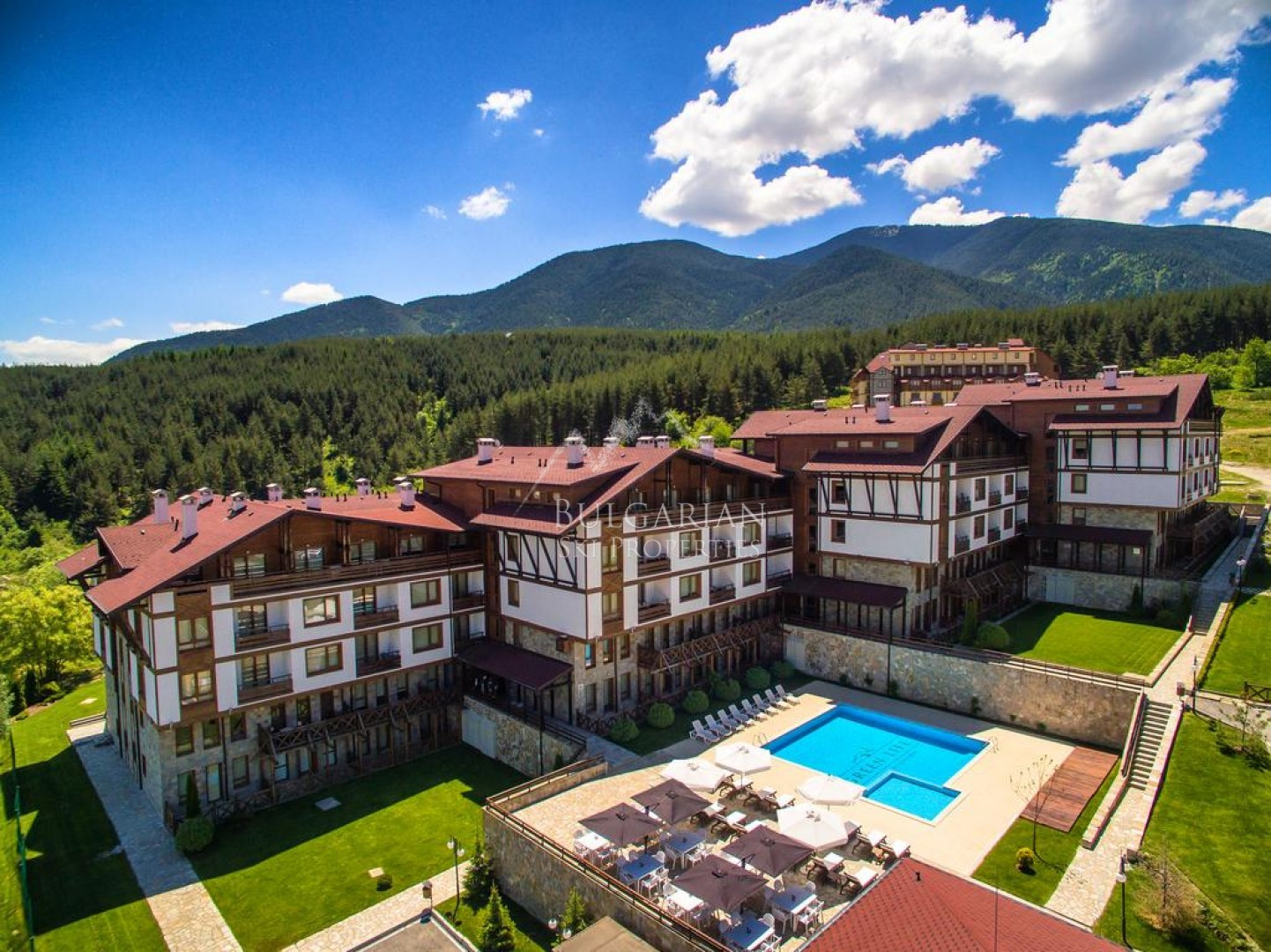 Bansko: one-bedroom apartment for sale in the 4* year-round complex Green Life