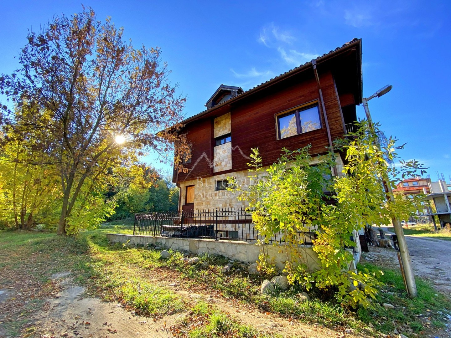 Two-bedroom apartment for sale next to the town park in Bansko