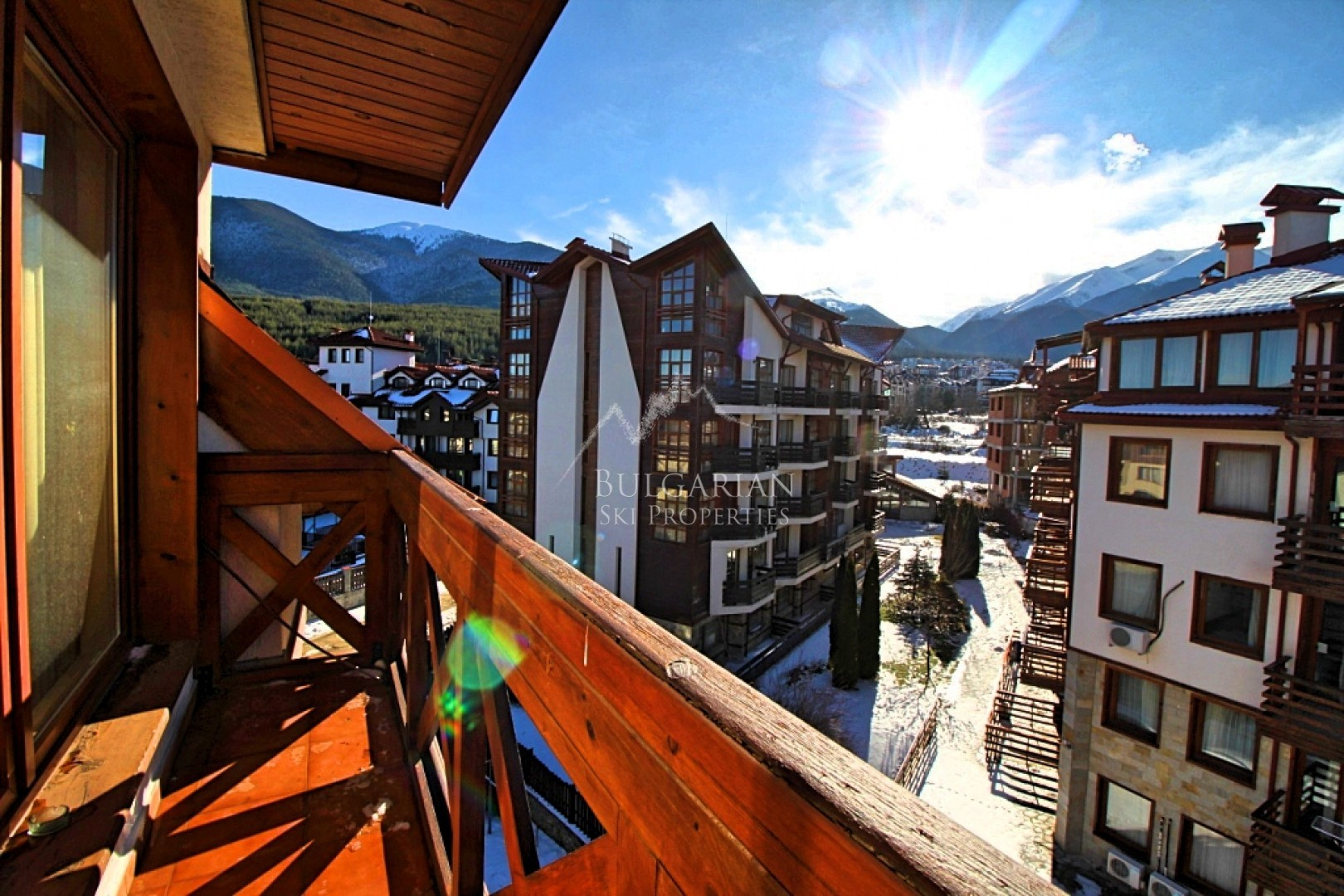 Bansko: southern studio with terrace for sale in a residential building