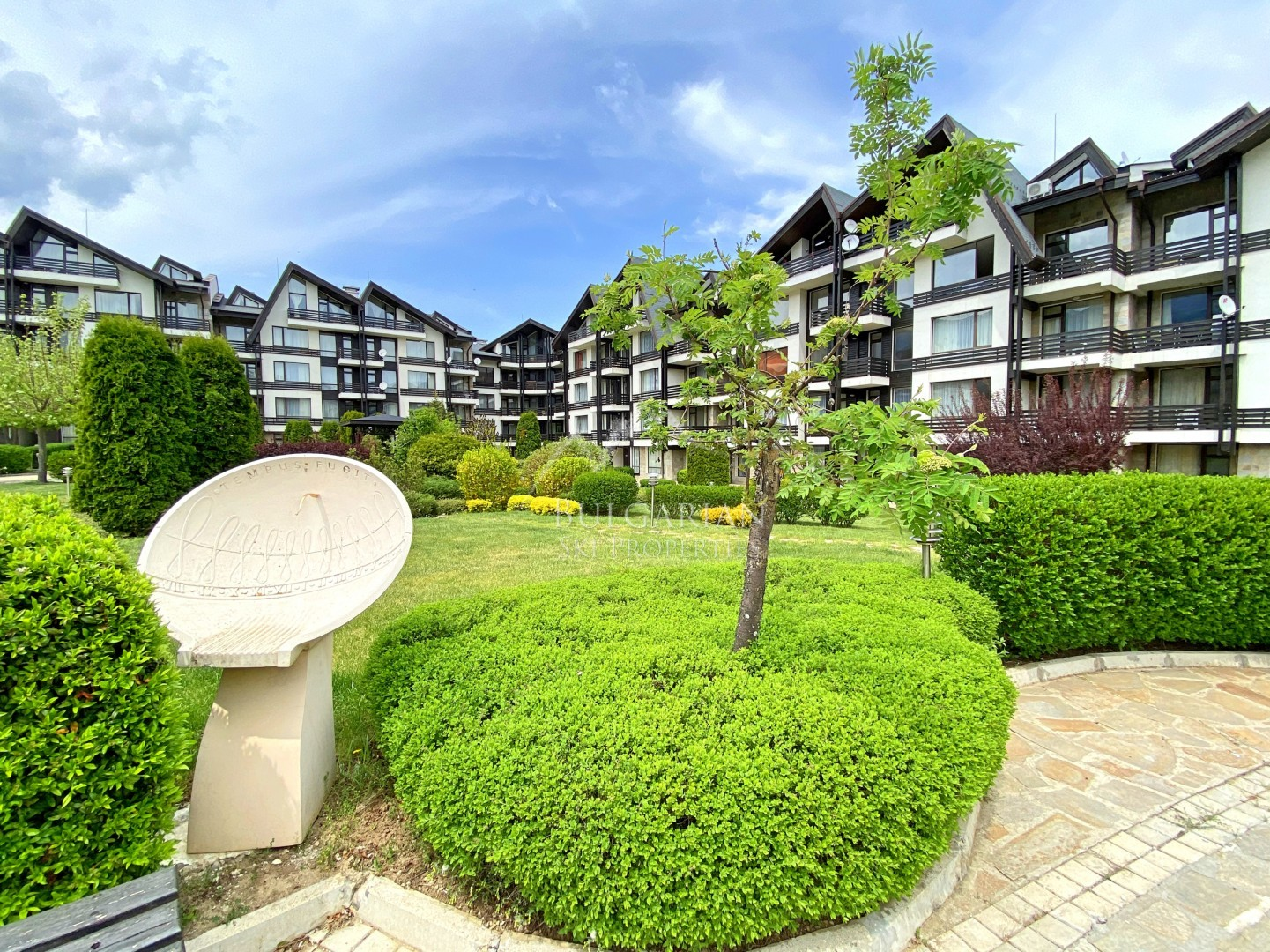 Bansko, Aspen Golf: Two-bedroom apartment for sale with mountain view