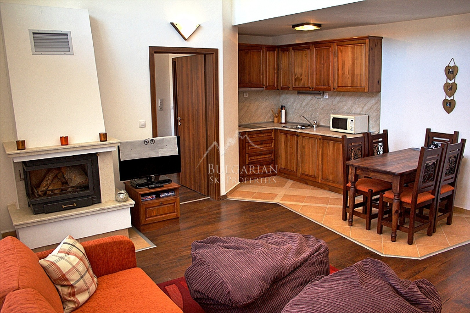 Bansko: Very Sunny Three-Bedroom Apartment for sale In Winslow Infinity & Spa