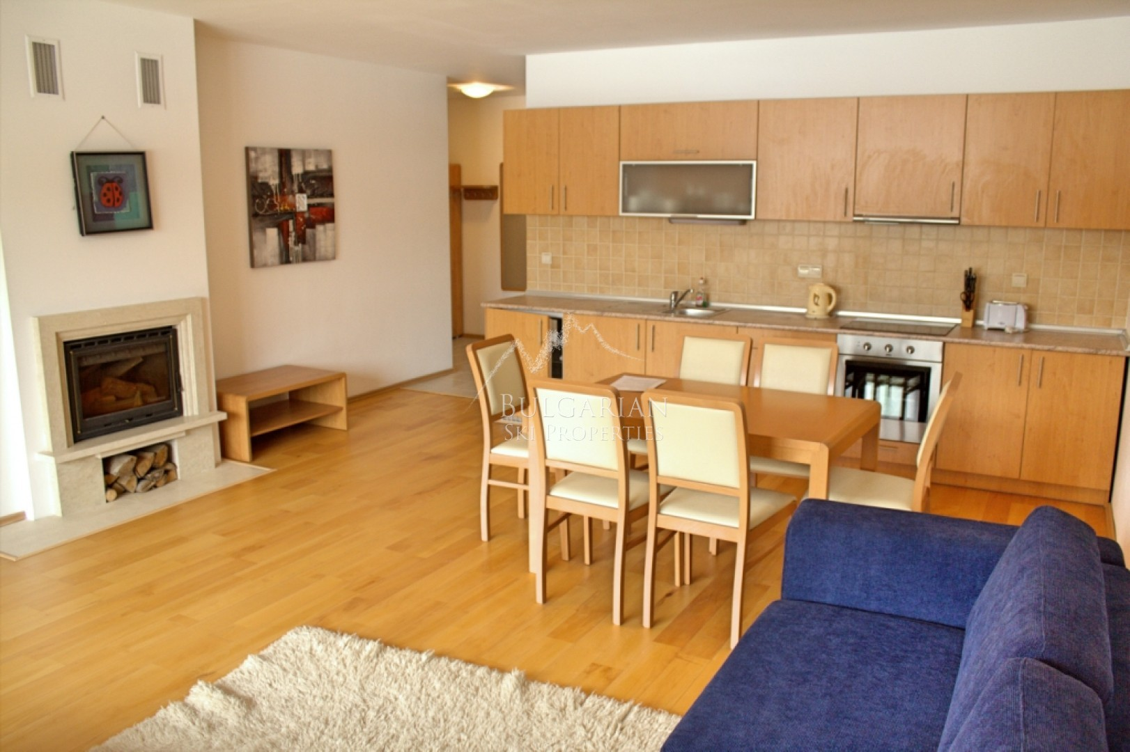 Bansko, Pirin Lodge complex: spacious two bedroom apartment with fireplace for sale