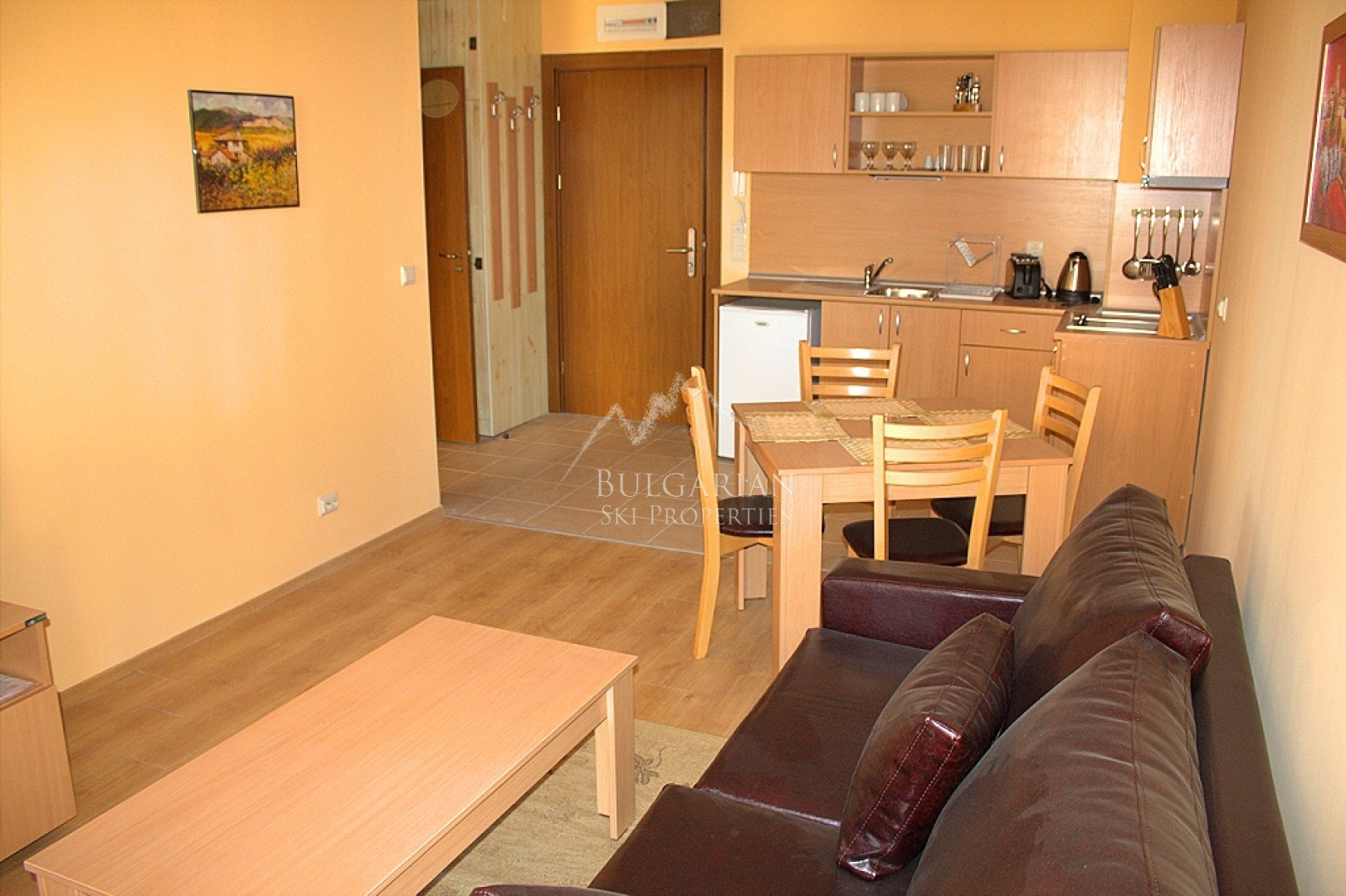 Bansko, St Ivan Ski & Spa: stylishly furnished apartment for sale