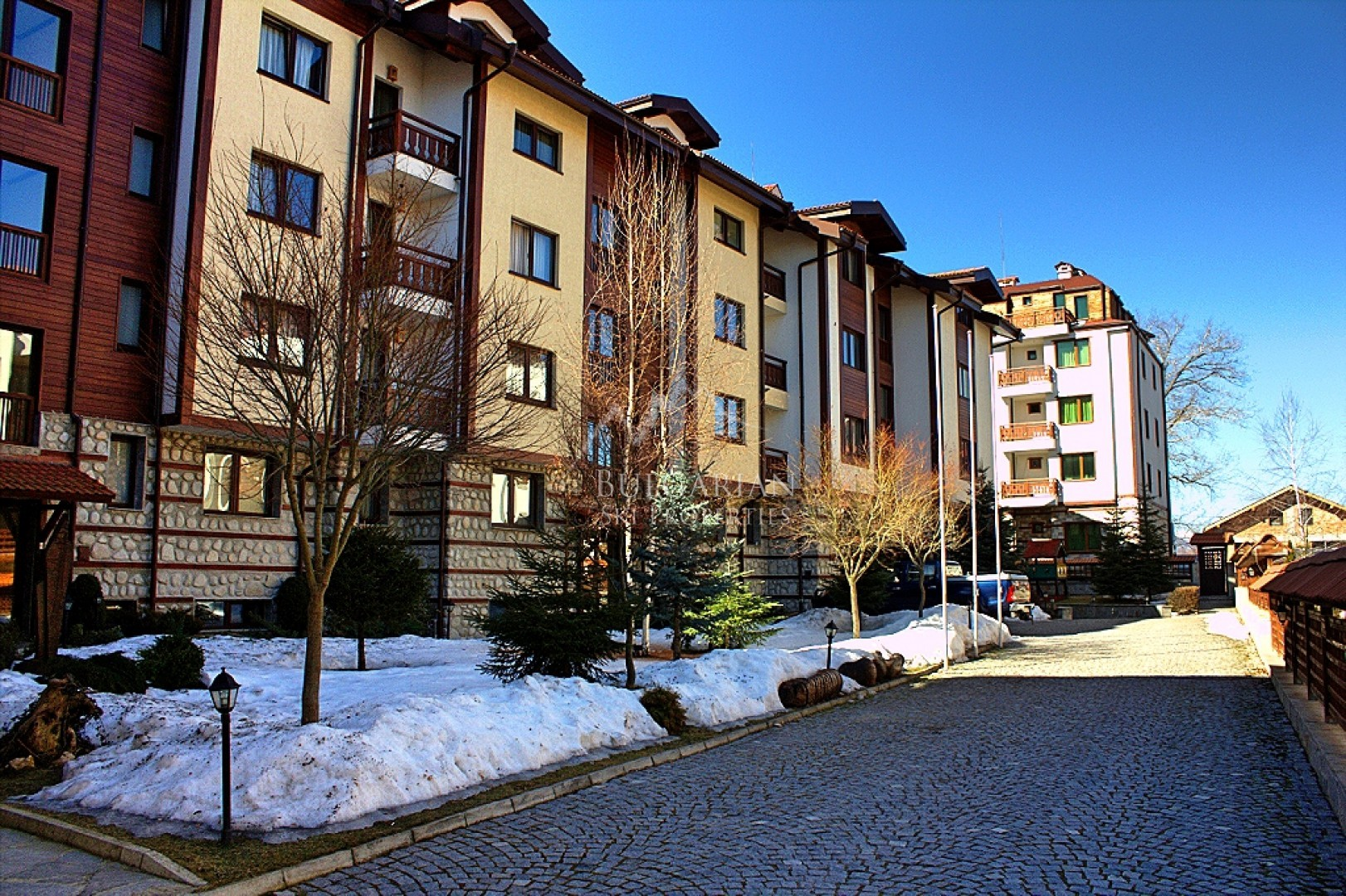 Winslow Highland, Bansko: furnished apartment for sale next to the Gondola