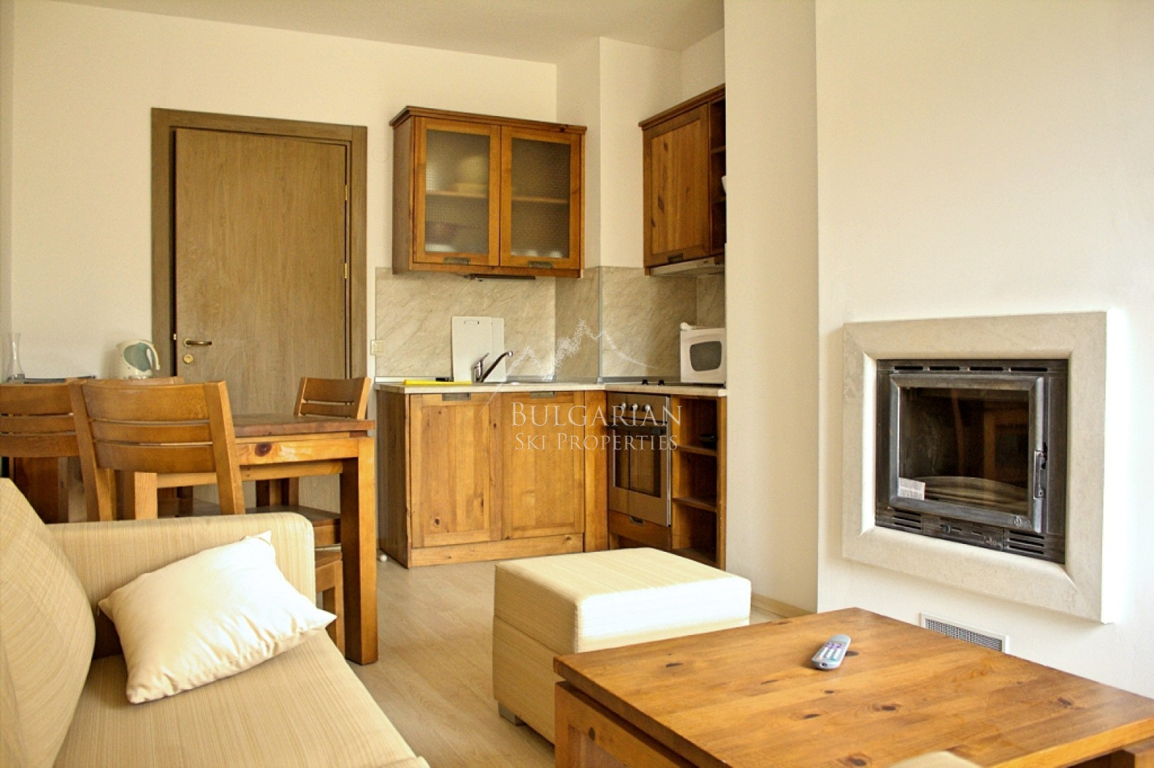 Bansko: one bedroom apartment with mountain views for sale in St John Hill complex