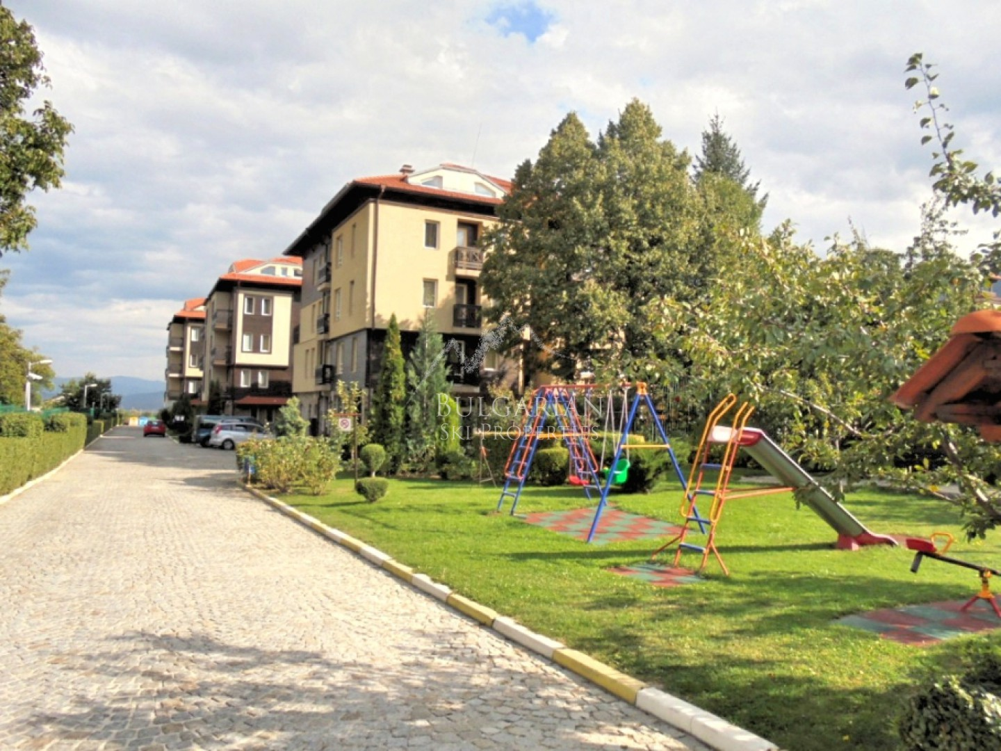 Bojurland: furnished and equipment studio for sale in Bansko