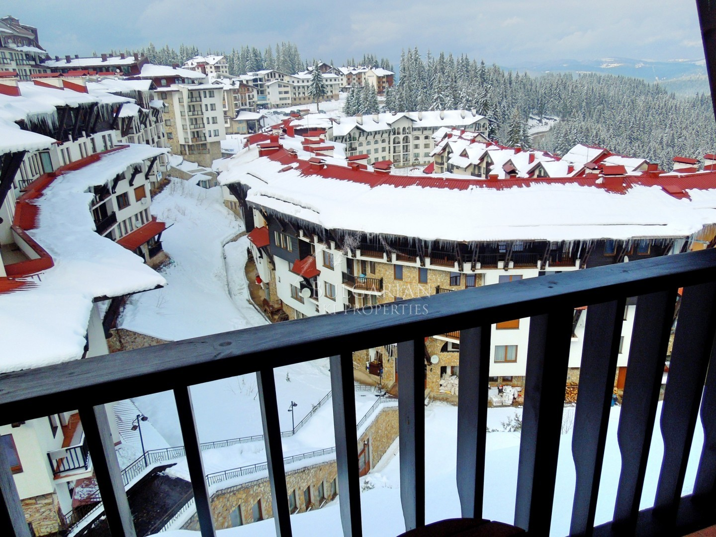 Grand Monastery, Pamporovo: two-bedroom apartment with fireplace for sale