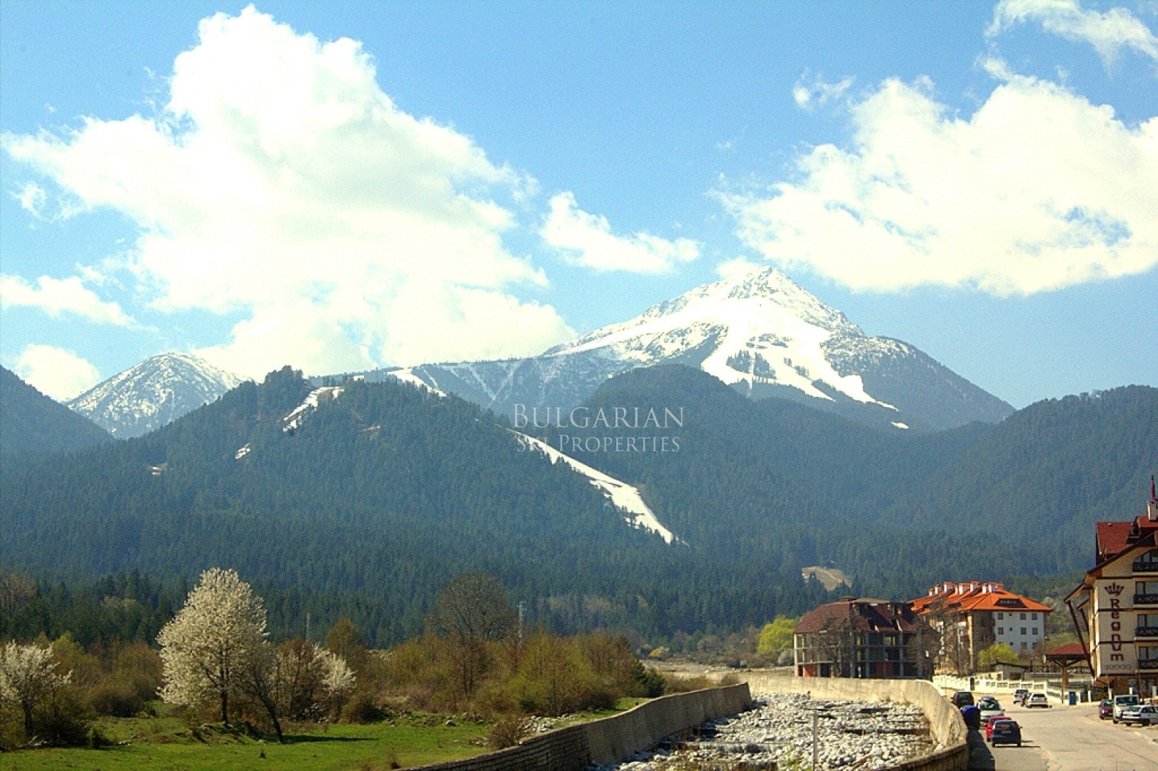 Luxury furnished two-bedroom apartment for sale next to the Gondola in Bansko